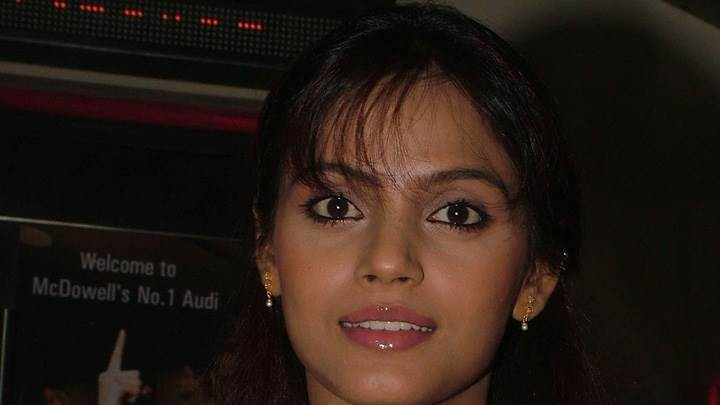 Neetu Chandra Smiling Pink Lips Cute Face Closeup